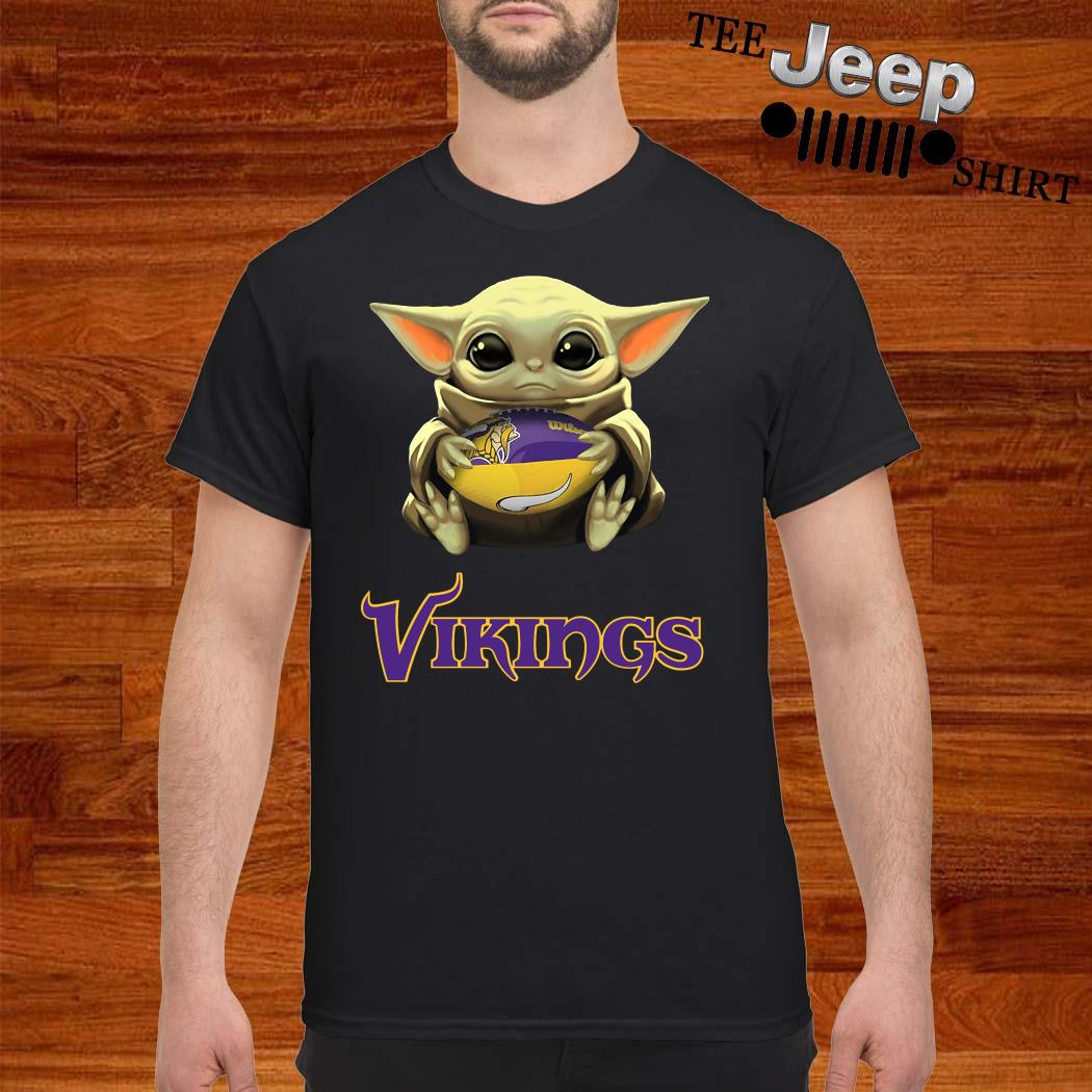 Baby Yoda Hug Minnesota Vikings Shirt